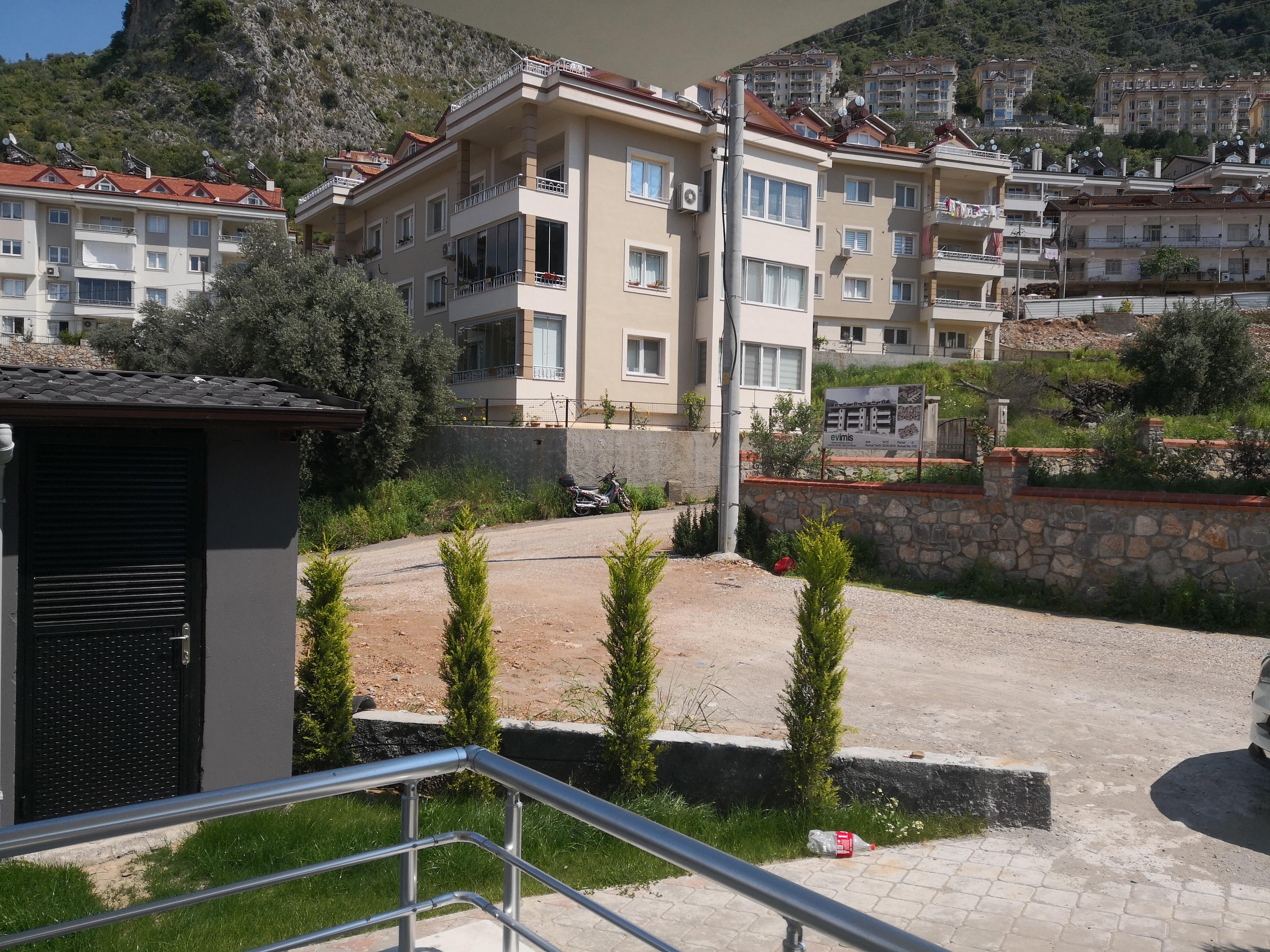 Lounge balcony Left view