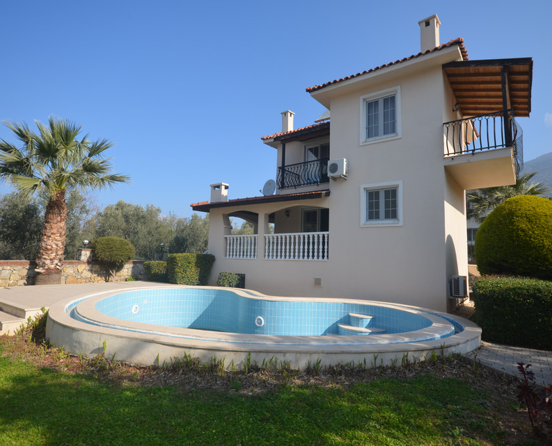 Private Pool/Detached Villa