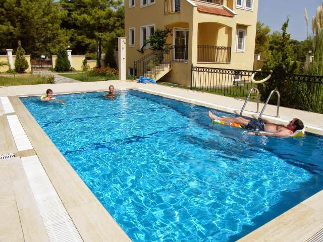 Pool shared between 4 villas