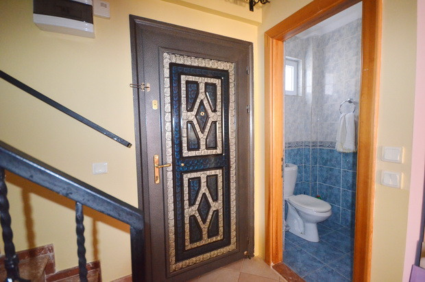 Mai Entrance Door with WC Off