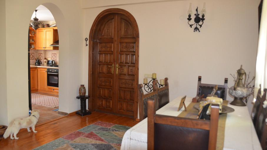 Inner Hallway into Living Area