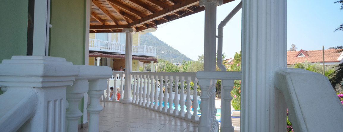 Wraparound Terrace - Steps to the Pool