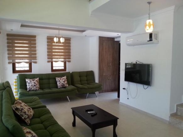 4. lounge.jpg