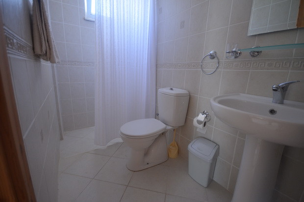 Villa Two, EnSuite Bathroom