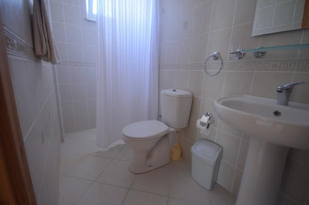 Villa Two, EnSuite Bathroom