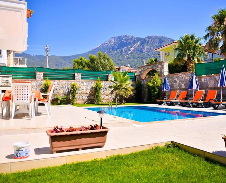 3 Bedroom Resale Villa