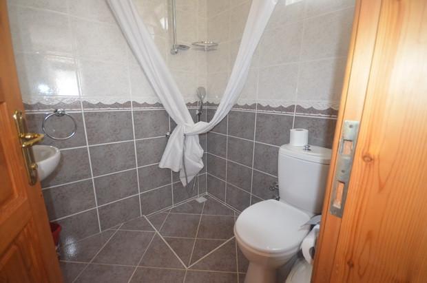 Villa One, Bathroom One, Living Level