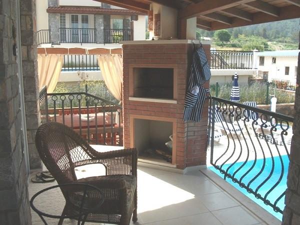 BBQ Balcony off Lounge