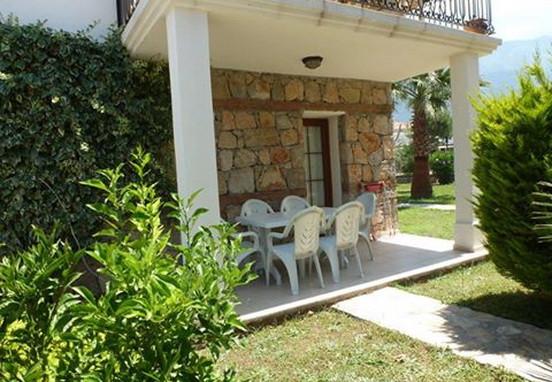 2. balcony terrace_resize.jpg