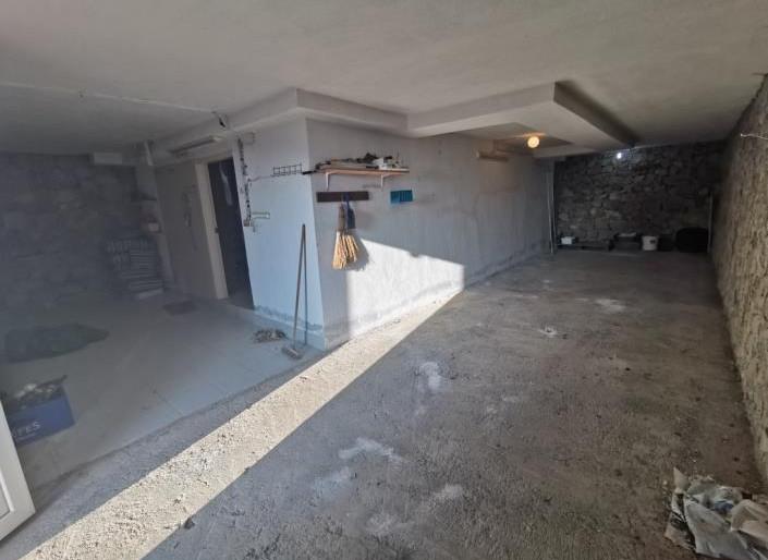 Garage/Storage Depot