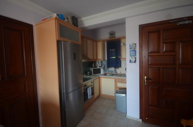 9. kitchen_resize.JPG