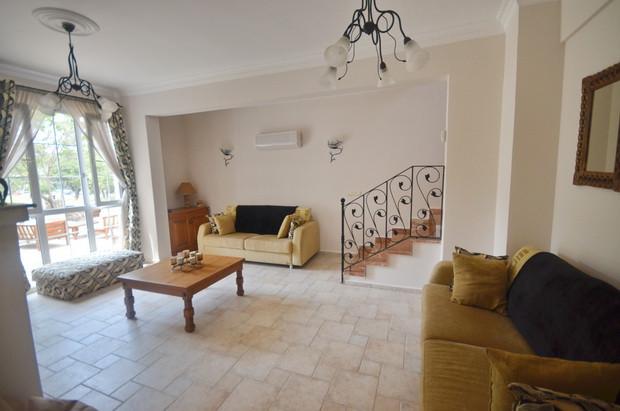Villa One Lounge