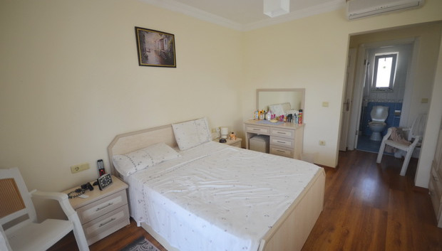 12a. bedroom two_resize.JPG