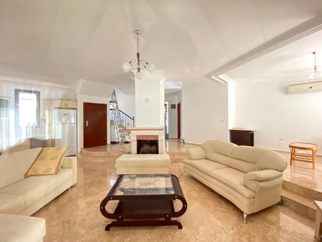 Open Plan, Split Level Living Area