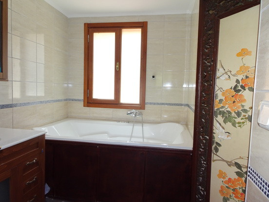 EnSuite to Bedroom One