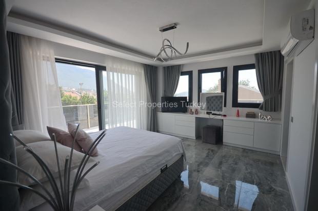 19. Master Bedroom Suite
