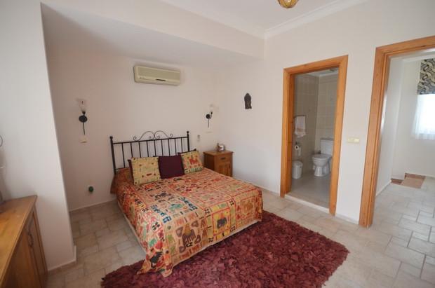 Villa One, Master with En-Suite