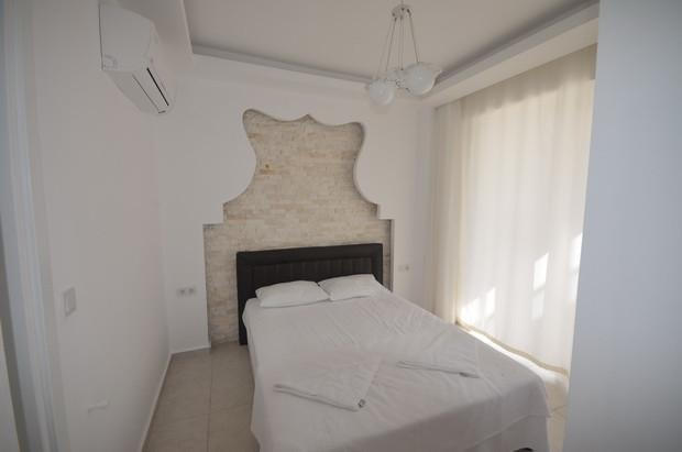 10.. bedroom one_resize.JPG
