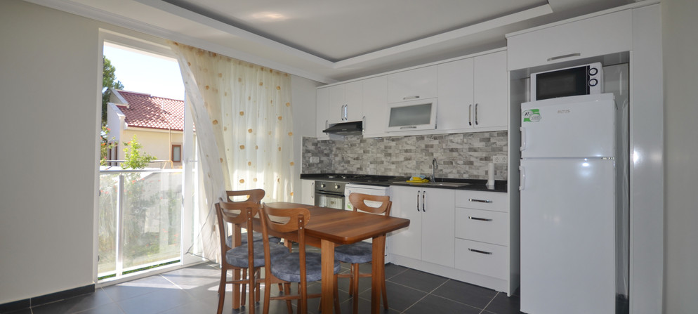 8. kitchen and dining.JPG