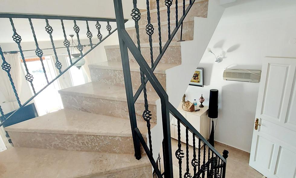 Marble Stairs, Three Storeys