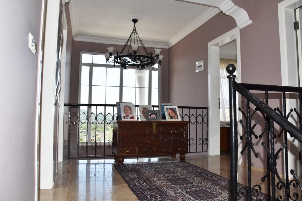 Upper Hallway/Gallery Landing