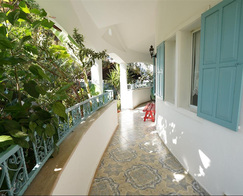 Wraparound Balcony