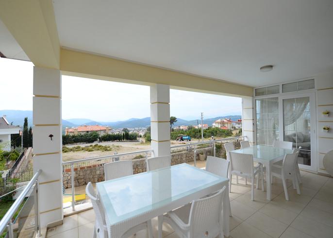 8. lounge terrace balcony.JPG