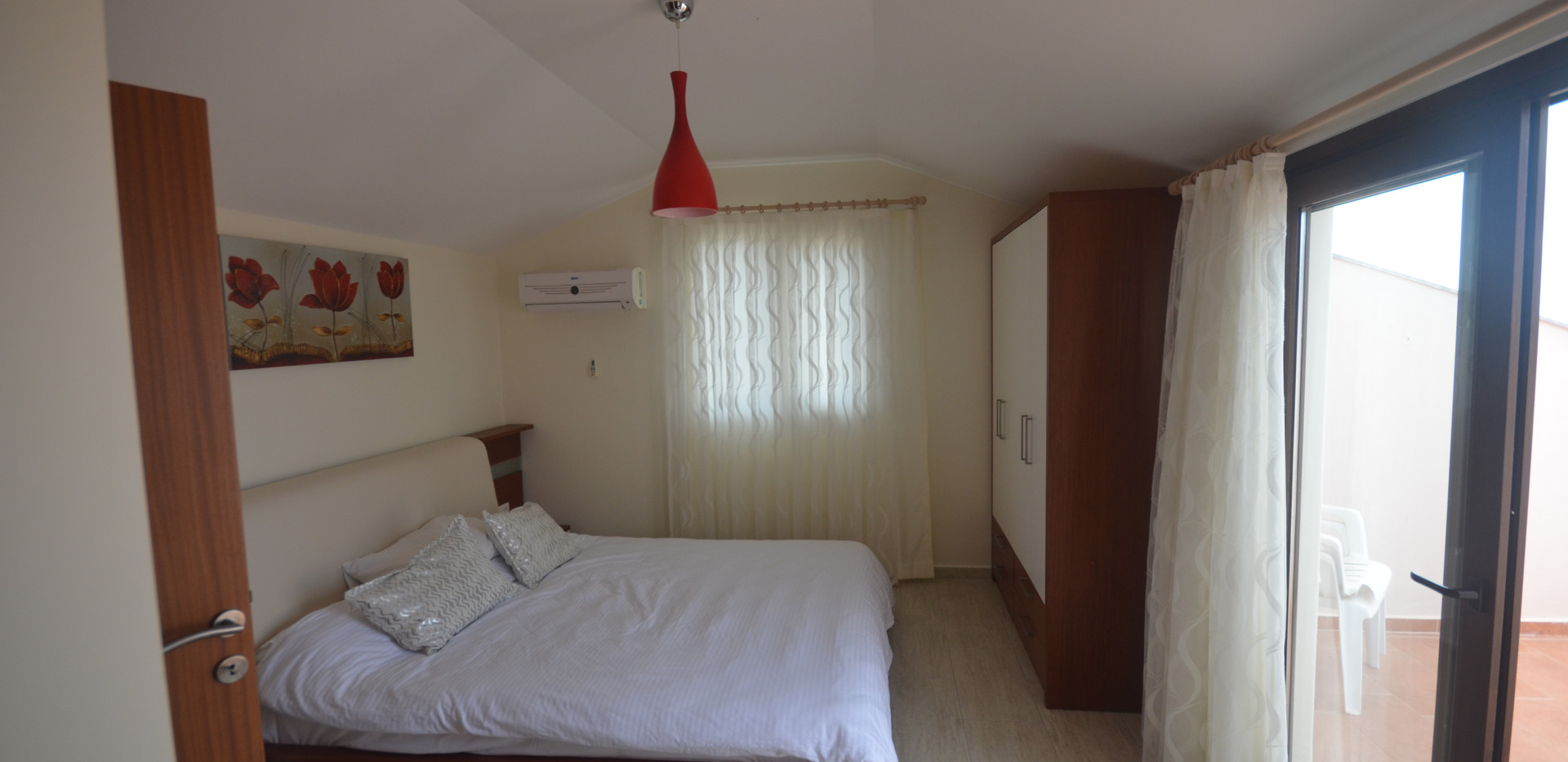17. BEDROOM FOUR WITH ENSUITE.JPG