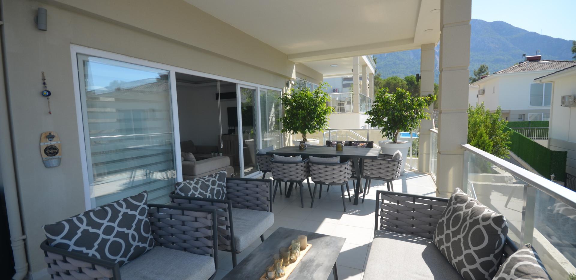 Large Balcony Terrace