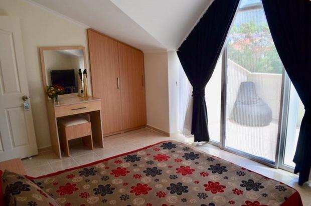 13. master bedroom LARGER_resize