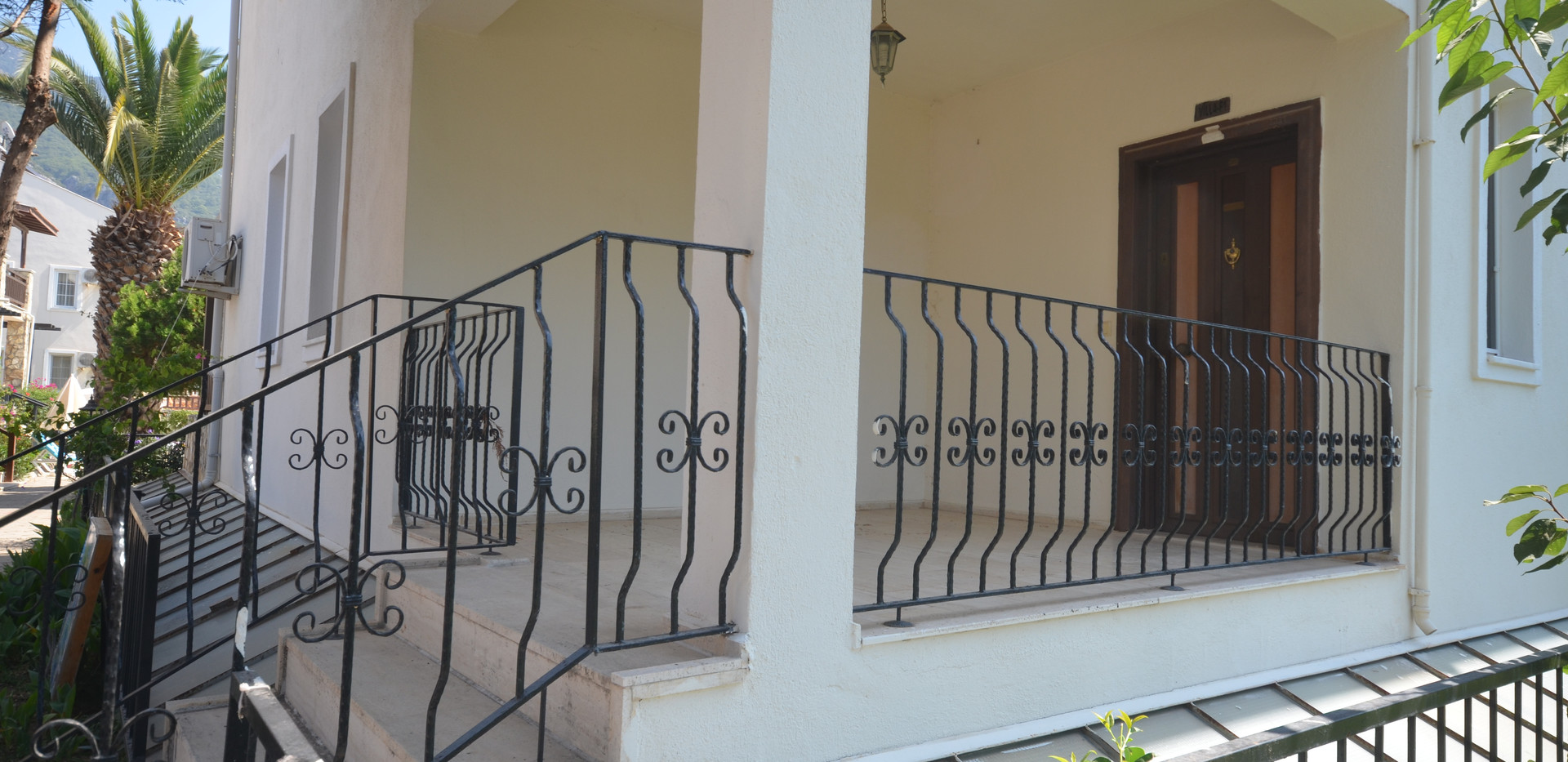 Private Entrance Porch