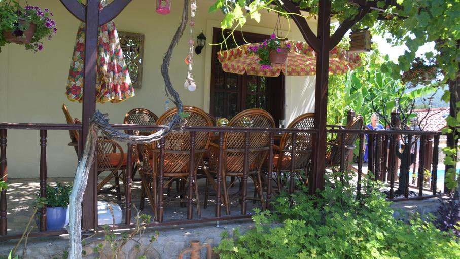 Communal Dining Terrace