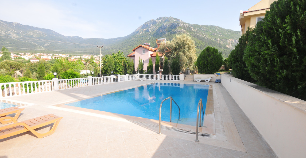 2. the pool.JPG