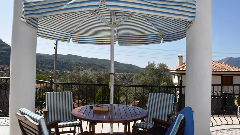 Balcony Terrace, Mountain Views