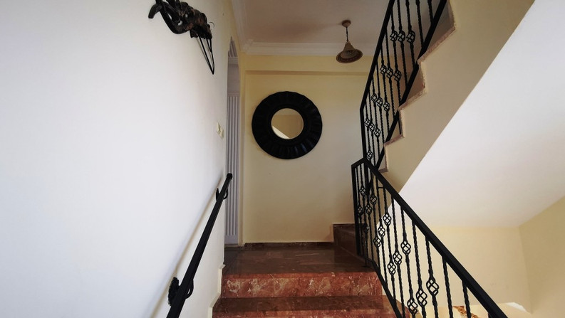 Private Entrance Stairs