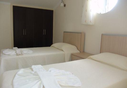 13a. twin bedroom.JPG