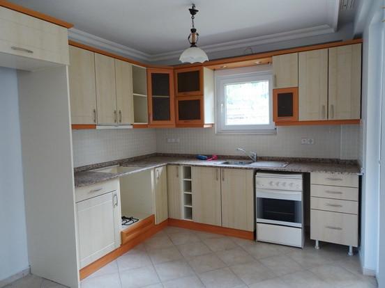 8. kitchen_resize.JPG