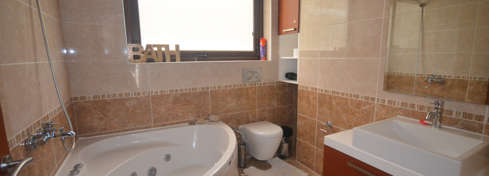 12A ENSUITE BR ONE.JPG
