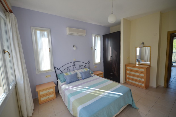 9a. bedroom one_resize