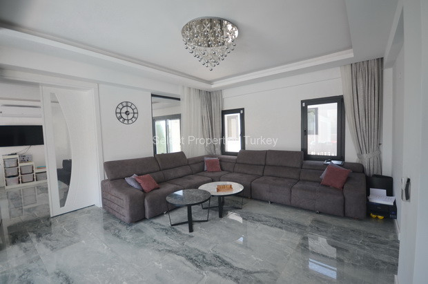 14. Lounge One