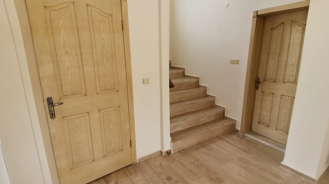 Lower hallway with wc off