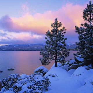 PIC-colors_of_winter_lake_tahoe.jpg