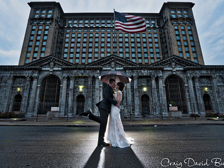 Lizzy & Joey - Colony Club - Detroit Wedding photos & Same Day Edit Video - October 27, 2017