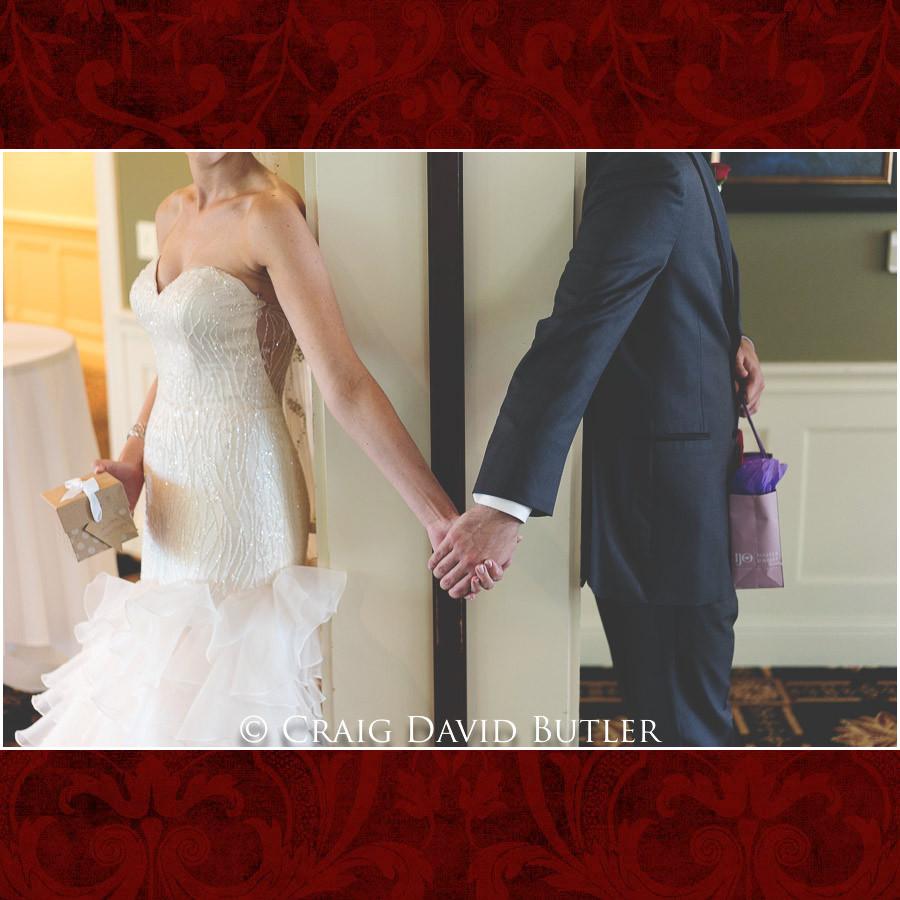 Bride & Groom Gift Exchange Clarkston Wedding Photographer - Oakhurst CC, Craig David Butler
