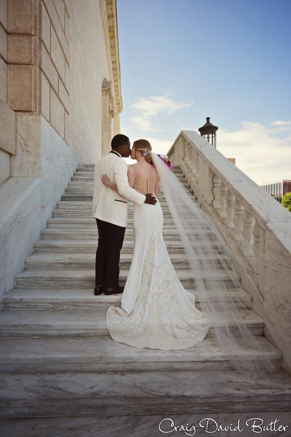 Wedding Photo at the DIA Detroit Michigan