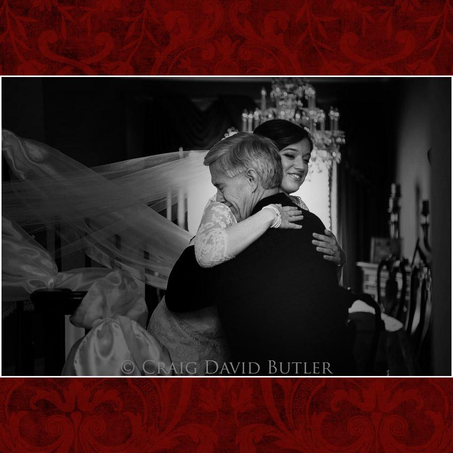 StJohns-PlymouthMI-Wedding-Photos-1020