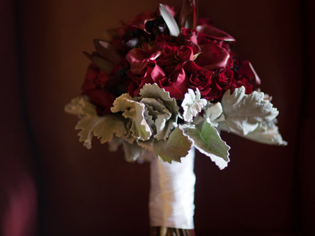 Which Bride are you?  (A quick rundown of wedding bouquet options)