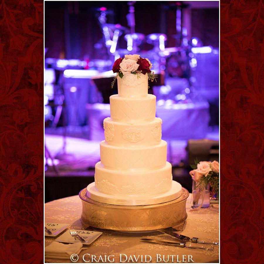 StJohns-PlymouthMI-Wedding-Photos-1040