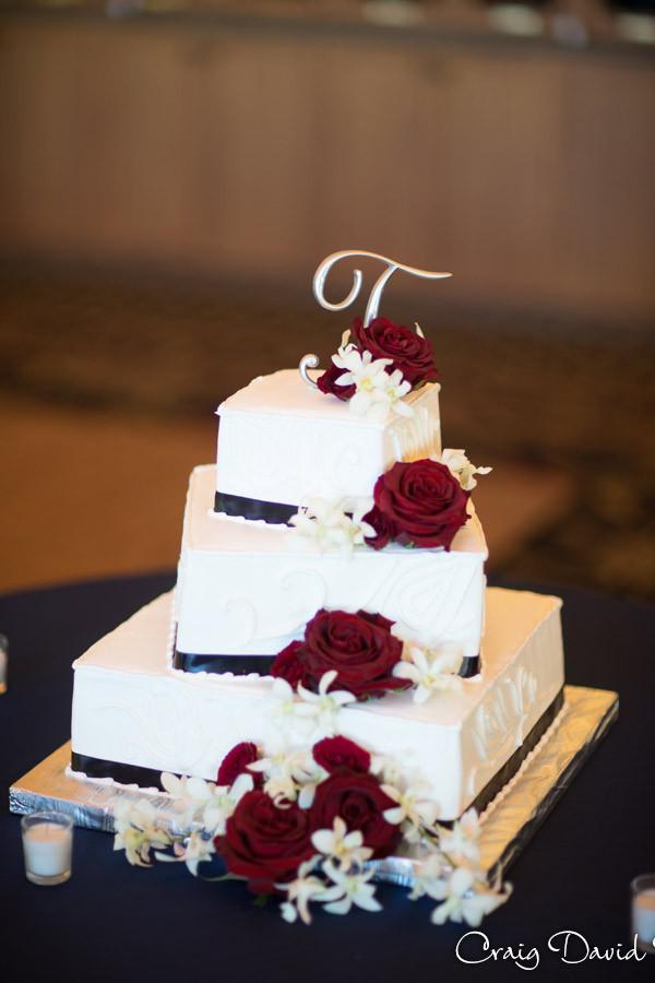 Wedding Cake Brighton Wedding Photographer - Craig David Butler - Oak Pointe CC