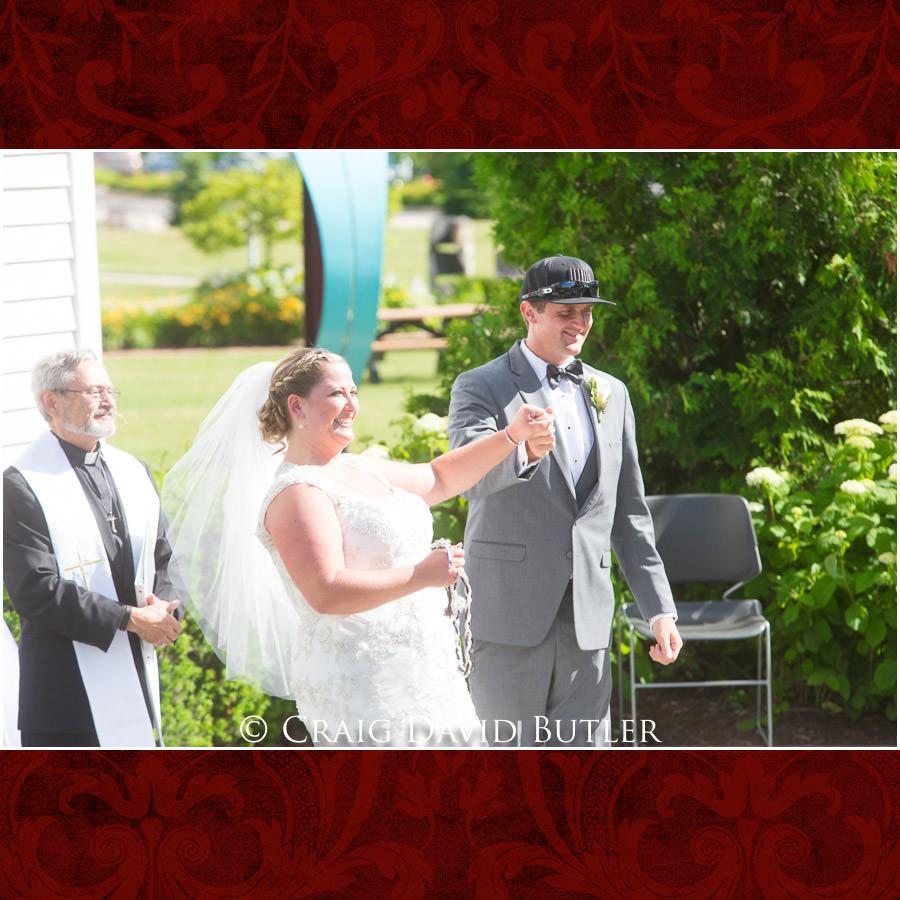 Presentation Michigan-Wedding-Photographer-Novi-CraigDavidButler